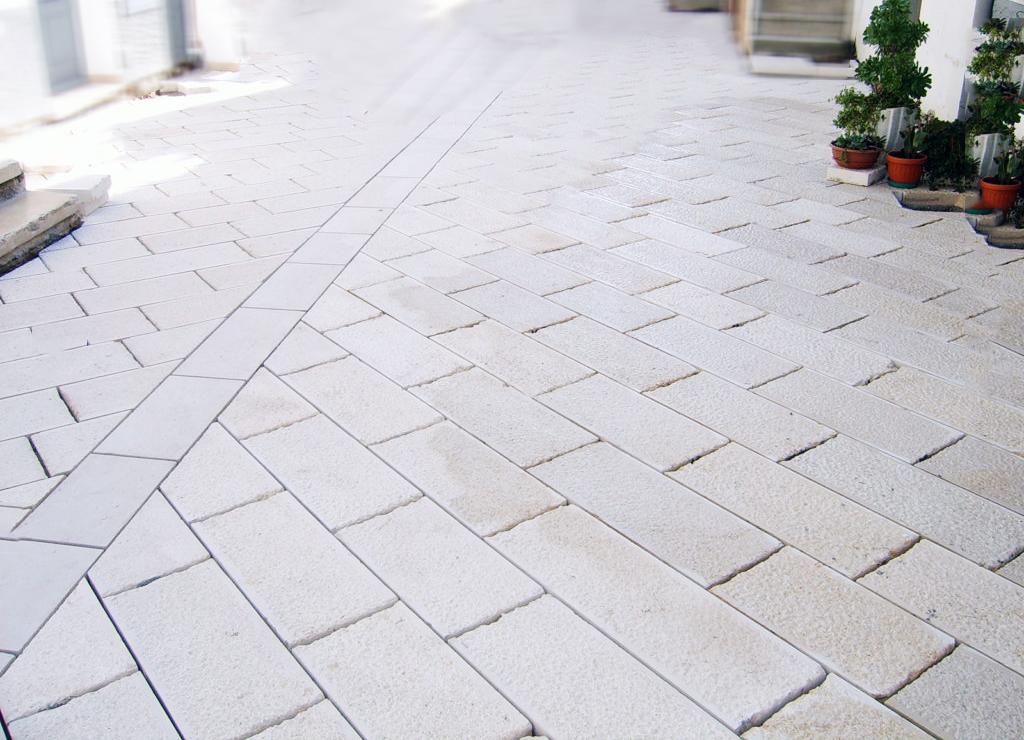 Posa pavimento urbano