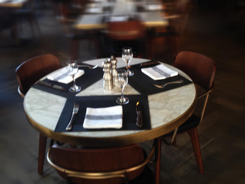 tavolo tondo in marmo calacatta